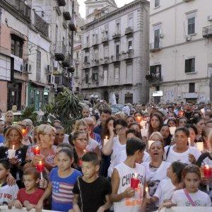 """Napoli, il padre di Genny: """"Mio figlio morto a causa dello Stato"""". De Magistris a Saviano: """"Non esiste la paranza dei bambini"""""""