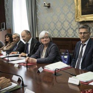 """Commissione Antimafia, Bindi: """"La camorra dato costitutivo di Napoli"""""""