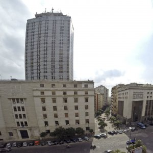 Napoli un imprenditore va in questura per una denuncia e for Questura napoli permesso di soggiorno