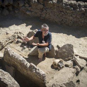Pompei, l'incanto dell'ultimo ritrovamento: una tomba sannitica appartenuta a una donna