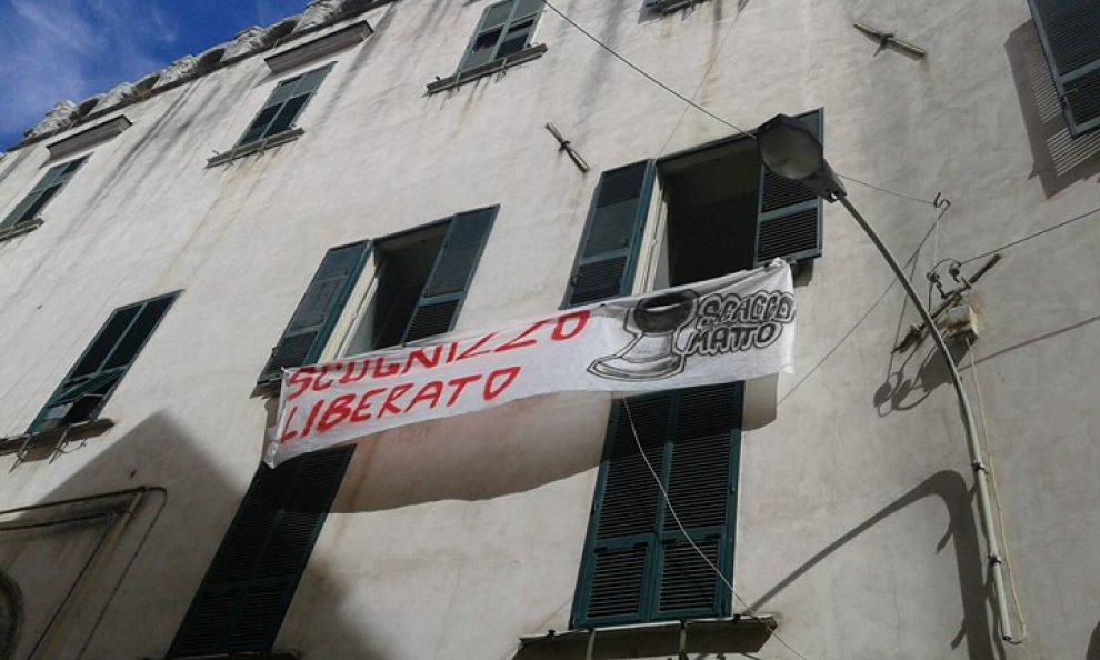 Attivisti occupano l'ex carcere minorile Filangieri