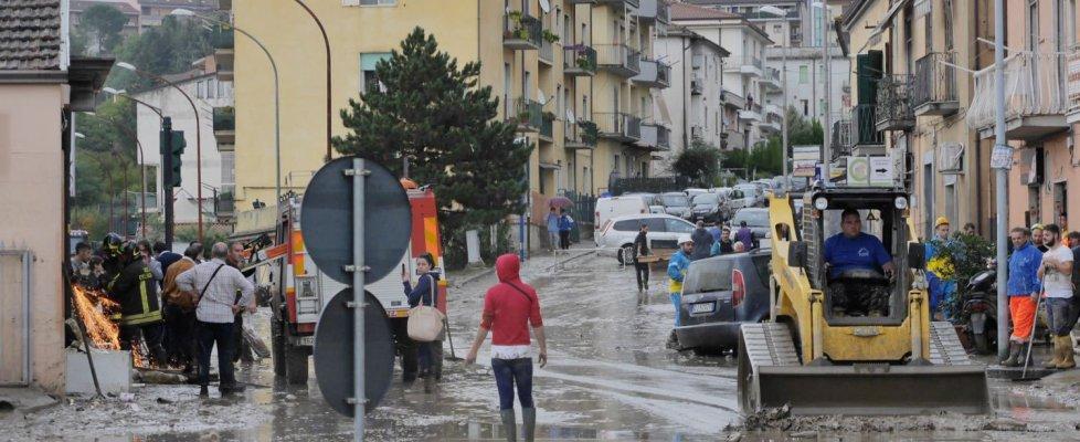 Benevento, straripa il fiume Calore. Due morti. Allagata a Pompei la Domus di Polibio