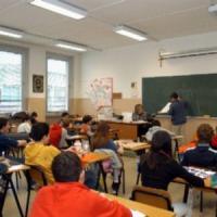 Trentola Ducenta, entra in classe la bambina malata di Aids