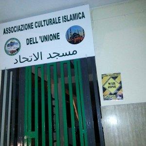 Forza Nuova, manifesti contro associazioni e negozi islamici a Napoli e nel Salernitano