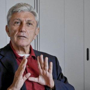 """Napoli, Bassolino avanti comunque: """"Il Pd è messo male, vado oltre le primarie e farò il sindaco di tutti"""""""