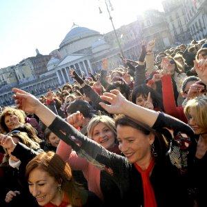 Napoli, 25 novembre. Flash mob, teatro convegni e mostre contro la violenza sulle donne