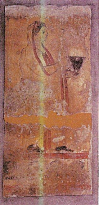 Paestum, i carabinieri recuperano la tomba di un guerriero del 300 a.C. rubata