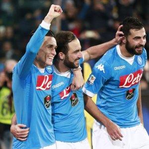 """Napoli primo da solo dopo 25 anni, ma quanti rischi e De Laurentiis: """"Ma che fortuna..."""""""