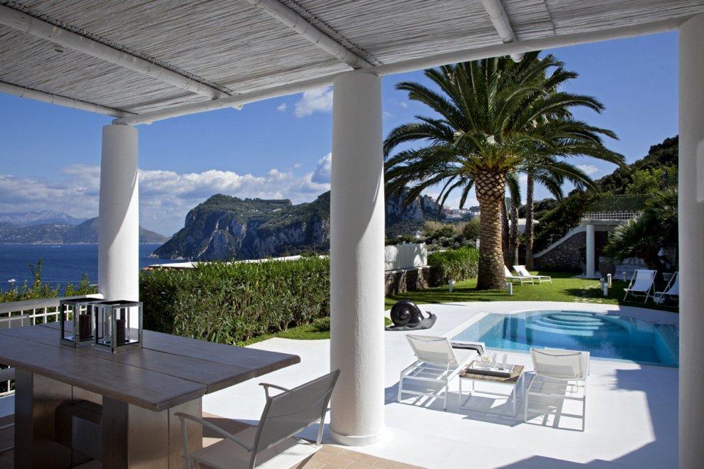 Architettura design e panorami mozzafiato 18 case a for Architettura interni case