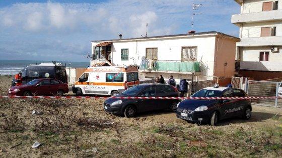 """Strage in famiglia in provincia di Napoli. Padre uccide moglie e figlia e si toglie la vita: """"Ho fatto un guaio"""""""