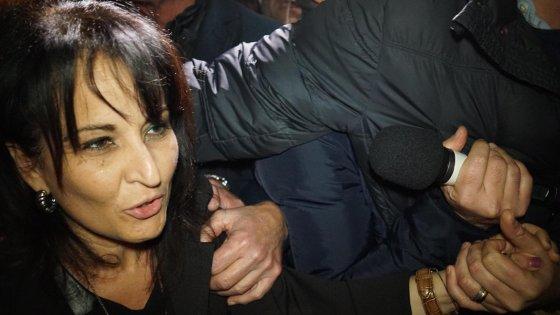 Quarto, indagato il marito del sindaco per la casa abusiva E Di Maio accusa il Pd