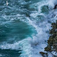 Capri, la mareggiata è uno spettacolo