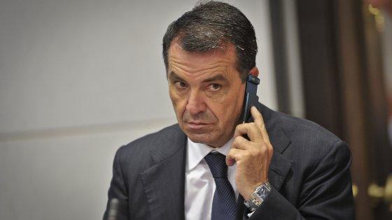 Appalti pilotati nel Napoletano, interrogatori per il collaboratore del senatore De Siano e l'imprenditore della Ego Eco