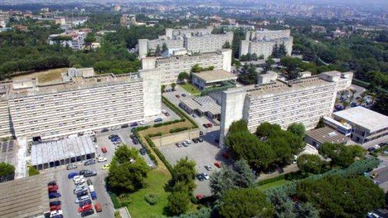Muore due mesi dopo il parto a Napoli, i parenti presentano denuncia