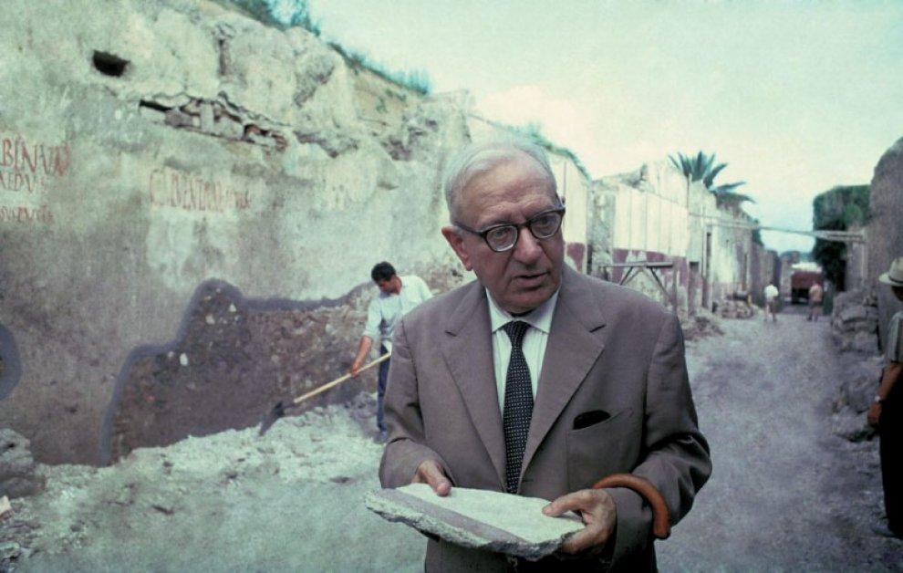 """Maiuri l'uomo che """"scoprì"""" Pompei. Una mostra per celebrare il padre dell'archeologia vesuviana"""