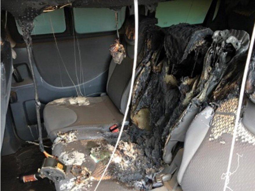 Atto vandalico contro l'auto del rapper Clementino nel Napoletano