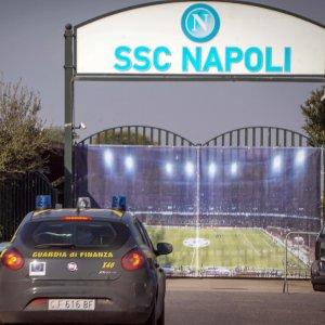 Inchiesta sul calcio italiano: 64 dirigenti, giocatori e procuratori indagati per fatture false ed evasione fiscale