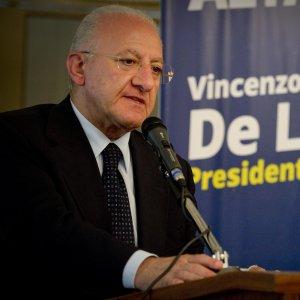 De Luca, avviso di garanzia per falso nell'inchiesta sulla variante di piazza della Libertà a Salerno