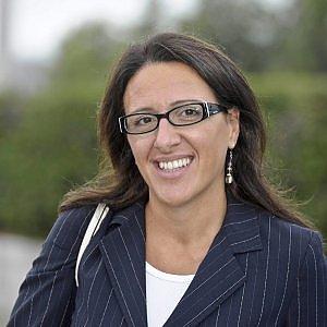Primarie, il Pd ha deciso: Valeria Valente sfiderà Antonio Bassolino