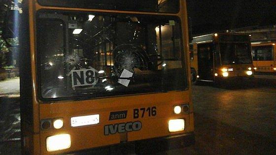 A  Scampia stop ai bus di notte e percorsi deviati per evitare gli assalti delle baby gang