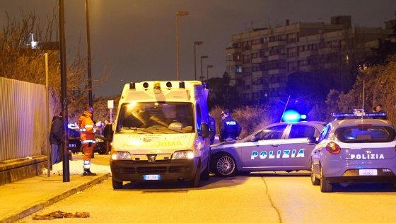 Camorra: ucciso mentre torna a casa a Ponticelli, movente ancora oscuro