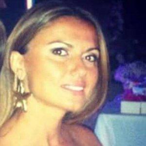 Pozzuoli, donna incinta bruciata viva dal compagno: è grave