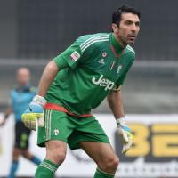 Arriva l'annuncio: i tifosi del Napoli non potranno vedere il big match con la Juve a Torino