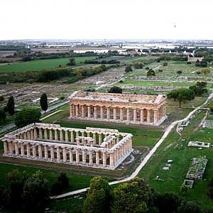 Paestum, rivolta per un inceneritore