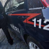 Terzo agguato nel Napoletano in due giorni: ucciso sotto casa un uomo a Marigliano