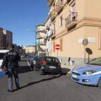 Napoli, le pistole dei ragazzi invisibili