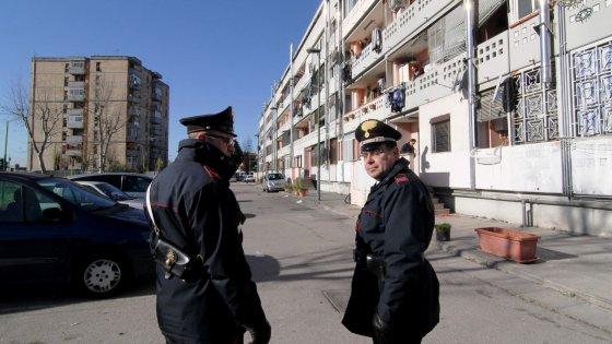 Terzo agguato nel Napoletano in due giorni: ucciso davanti a casa un uomo a Marigliano