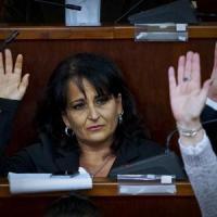 """Capuozzo sfida il M5s: """"Ritiro le dimissioni, resto sindaco"""""""