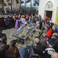 "Pietrelcina, ""Evviva Pio"": il santo torna a casa dopo 100 anni"
