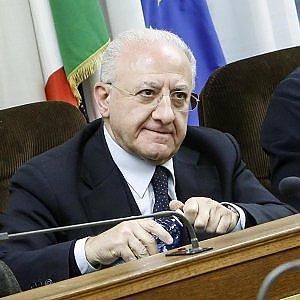 """De Luca: """"Contrario all'Autorità portuale unica Napoli-Salerno"""""""