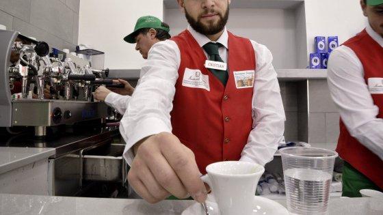 """""""Caffè sospeso"""", al Tribunale per i minorenni il bar è gestito dai ragazzi a rischio"""