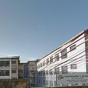 Salerno, lite fra studenti: un ragazzo di 16 anni accoltellato a scuola da un compagno