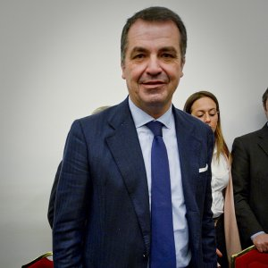 """Tangenti rifiuti,  la giunta per le autorizzazioni del Senato: """"No"""" agli arresti per De Siano (FI)"""