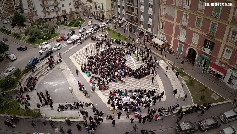 #Tuttigiùperterra a San Giorgio a Cremano per l'Unicef e contro le stragi di bambini nel Mediterraneo