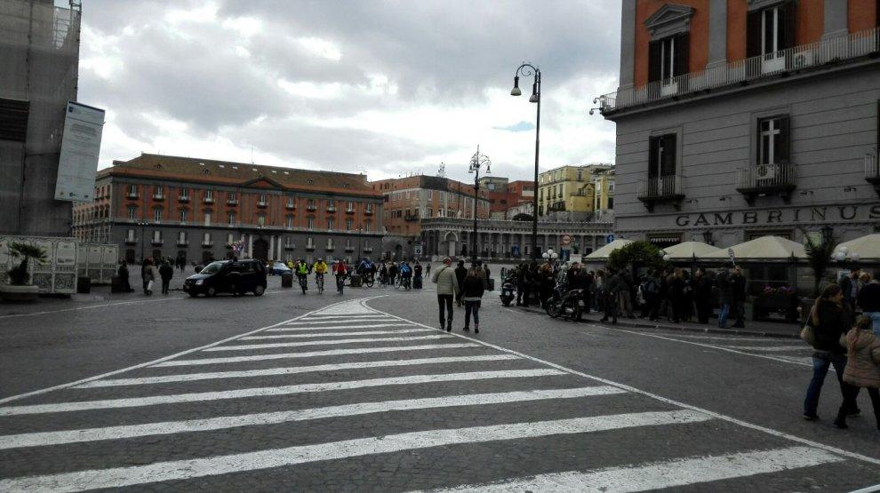 Domenica ecologica, strade deserte e niente auto a Napoli