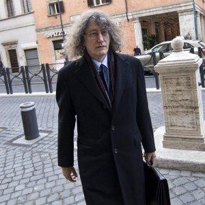Casaleggio, blitz in città per fermare Francesca Menna