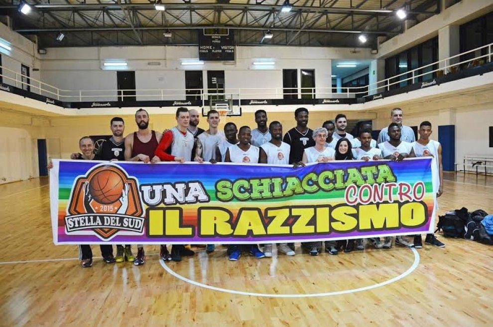 Image result for BASKET CONTRO IL RAZZISMO