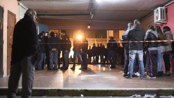 Agguato in periferia a Napoli, ucciso un pregiudicato