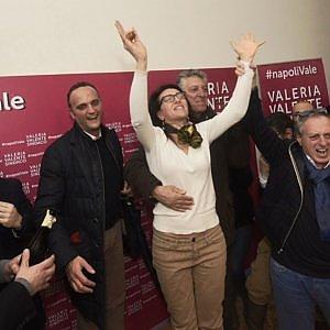 """Valeria Valente: """"Il Pd ha voltato pagina, ora battiamo de Magistris"""". Sms di Bassolino"""