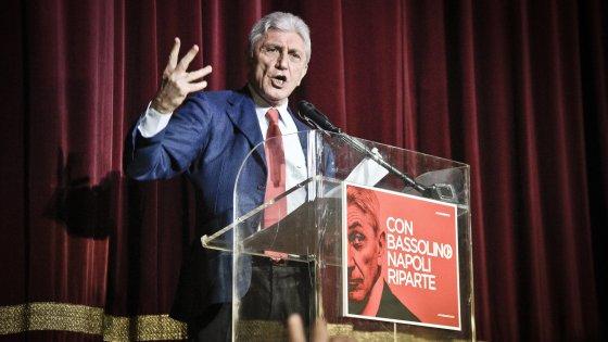 """Primarie, Bassolino a Renzi: """"Napoli è Napoli, il premier se ne interessi di persona"""""""