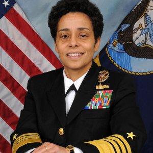Un'ammiraglia donna e afroamericana  per la base Nato di Napoli