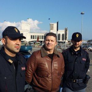 """Napoli: """"Io, a mani nude contro quel bandito armato di pistola"""""""