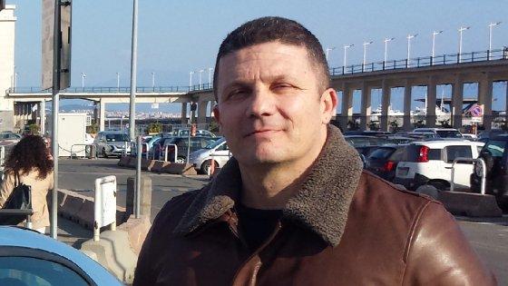 """Renzi chiama il poliziotto eroe che ha sventato la rapina a Casalnuovo: """"Vorrei fosse l'orgoglio di tutti"""""""