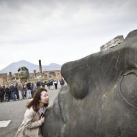 Pompei, riapre un intero quartiere: strade e domus piene di turisti