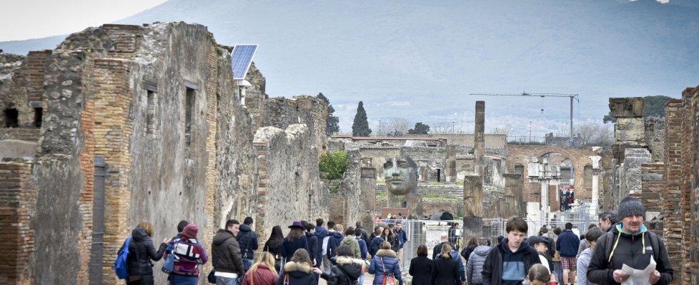 Riaperto un intero quartiere di Pompei, tornano visitabili domus e strade