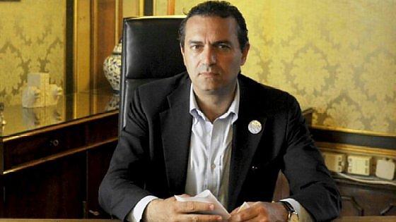 """Bagnoli, De Magistris a Renzi: """"Se pensa di mettere le mani sulla città sarà respinto"""""""